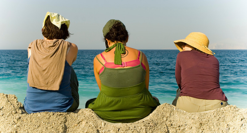 Beach Gossip Girls - Oman