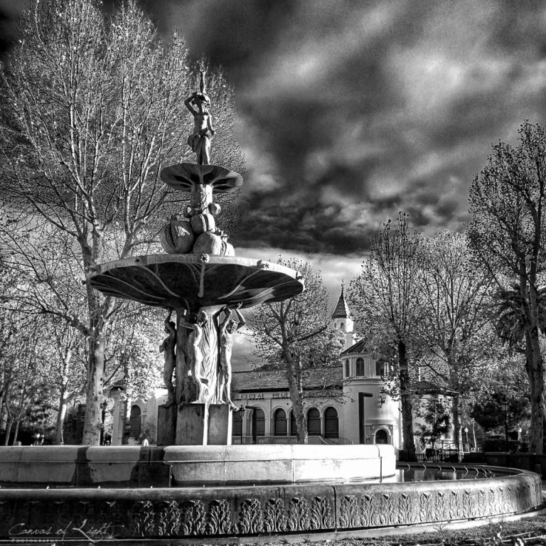 Monochrome Fountain - Spain