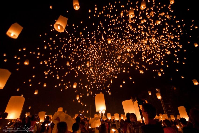 Yi Peng lantern release - Thailand
