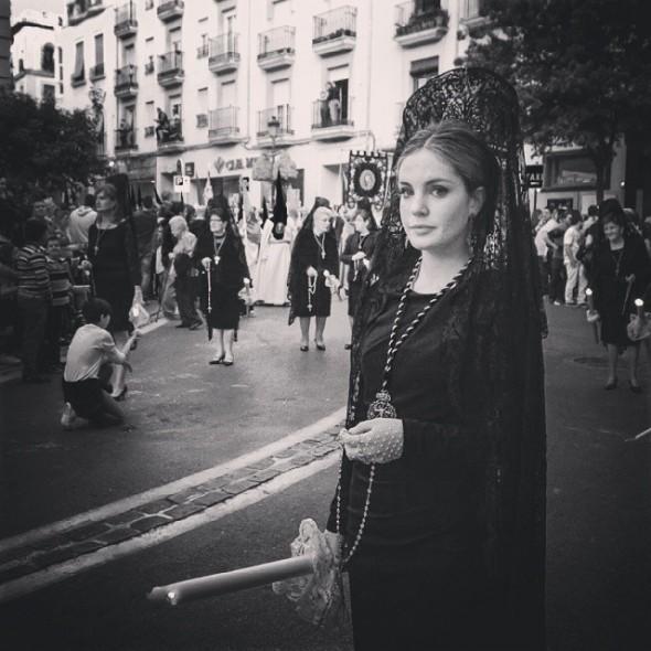 Lady wearing Mantilla in Granada